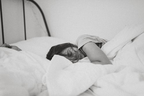 睡覺鼻塞示意圖